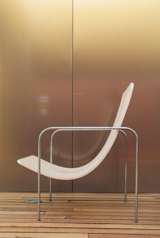 half moon chair by lucia cladd